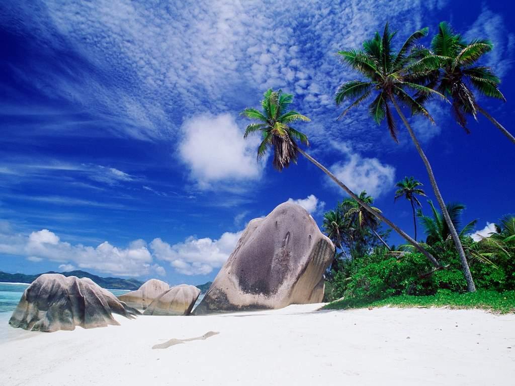 Ảnh đẹp thiên nhiên có bờ biển cùng bầu trời trong xanh